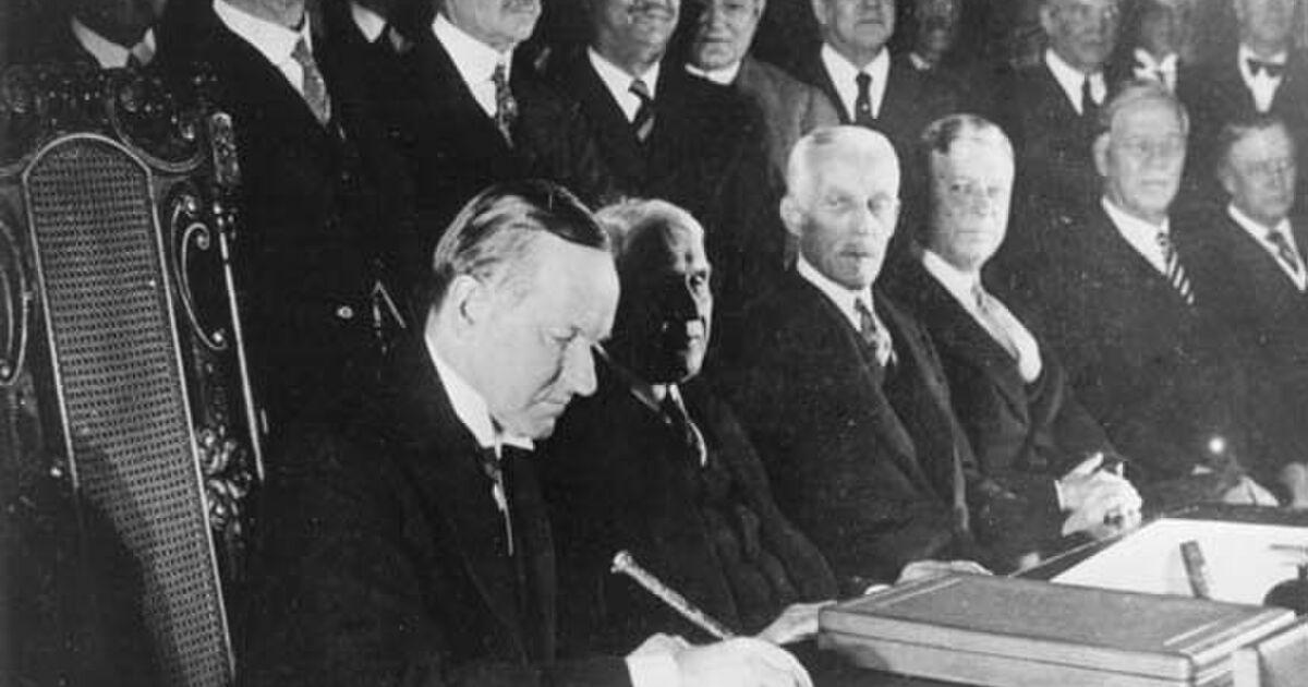憲法9条第一項は世界の当たり前 - Togetterまとめ